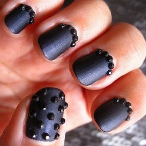 Black-Stone-Matte-Nail-Glitter-Copy