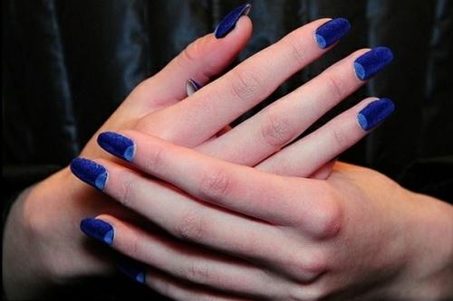 Velvet-Nails-x-Half-Moon-Trend-in-blue