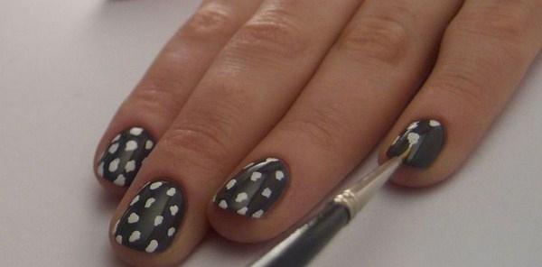2-leopard-nail-art-how-to-grey-white-spots-w724-Copy