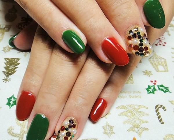 Very-Christmas-Nail-Designs-2013-Copy