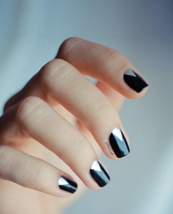 black-and-silver-minimalist-nail-art-nails-633x963-Copy