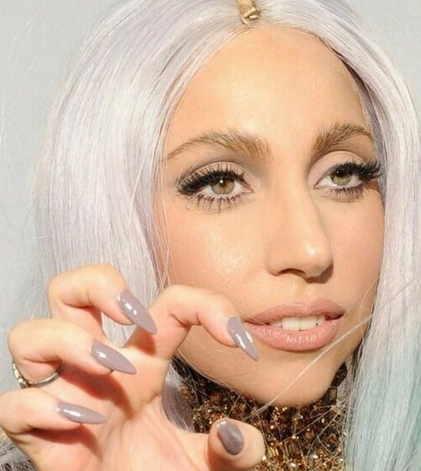 lady-gaga-stiletto-nails-Copy