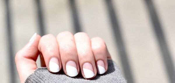 white-minimalistic-nail-art-710x473-Copy