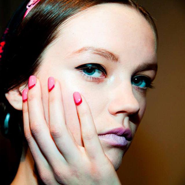 Red-and-pink-Ruffian-manciure-by-Deborah-Lippmann-at-Honor