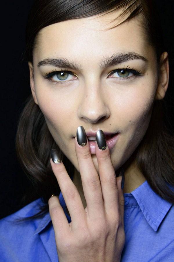 hbz-nail-trends-fw2014-nail-art-02-Mischka-bks-M-RF14-9570-lg (Copy)