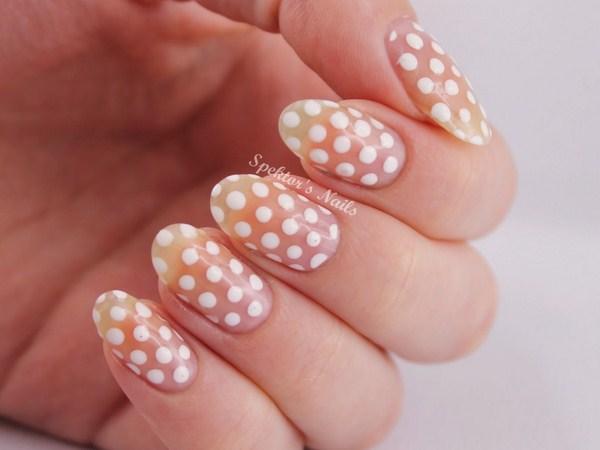White_Polka_Dot_Nails (Copy)