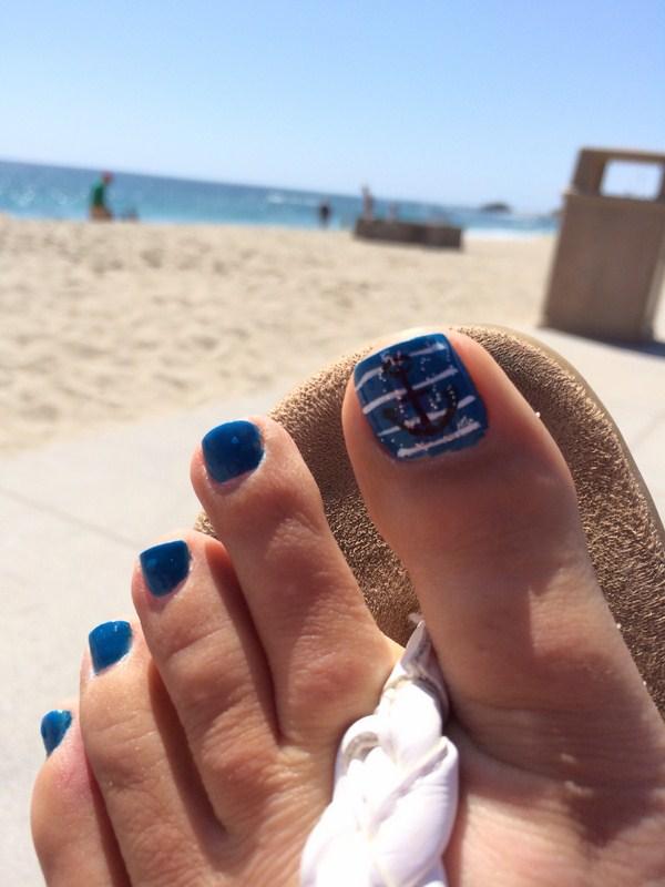 summer-beach-nails.-nautical-toenails.-beach-summer-stripes-toe-nails-toenails-blue-unique-cool-fun-anchor-nautical (Copy)