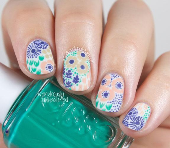 54ff91b6b30fc-2-floral-manicure-xln