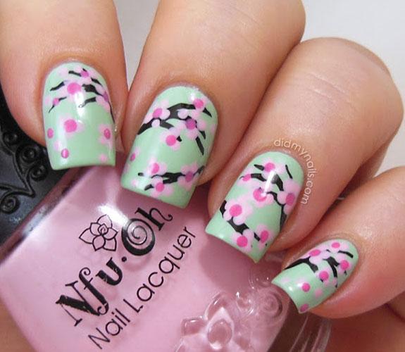 54ff91b7a918b-7-floral-manicure-xln