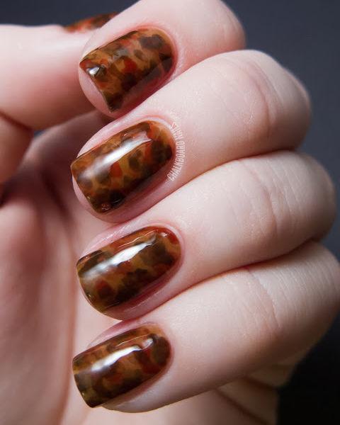 gallery-1441207655-tortoiseshell-nail-art