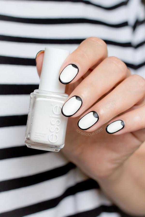 graphic-black-and-white-nail-art-2