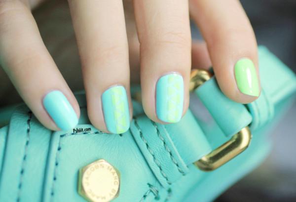 nail-art-mint-et-mini-triangle2