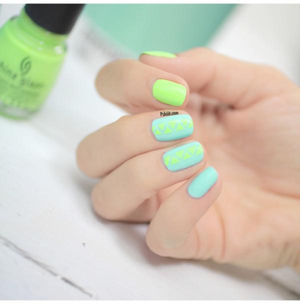 nail-art-mint-et-mini-triangle4