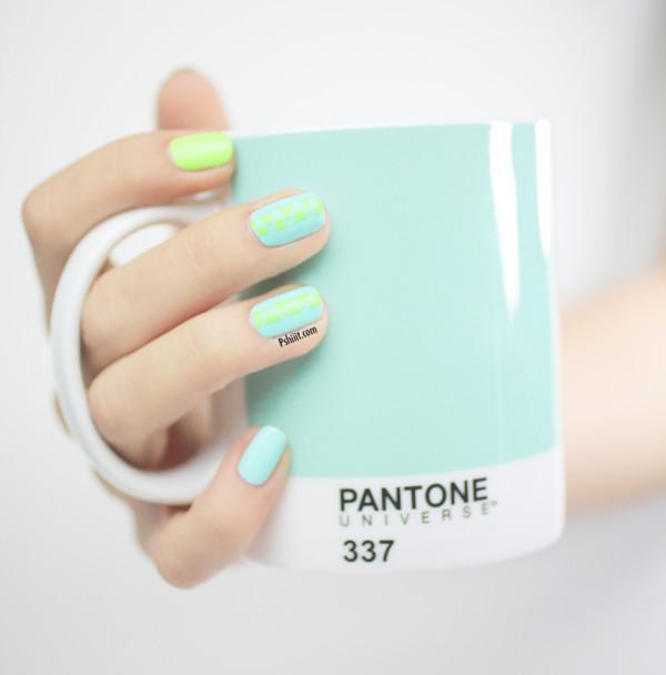 nail-art-mint-et-mini-triangle5