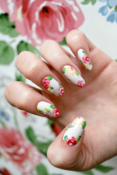 1432311220-floral-nail-art-2