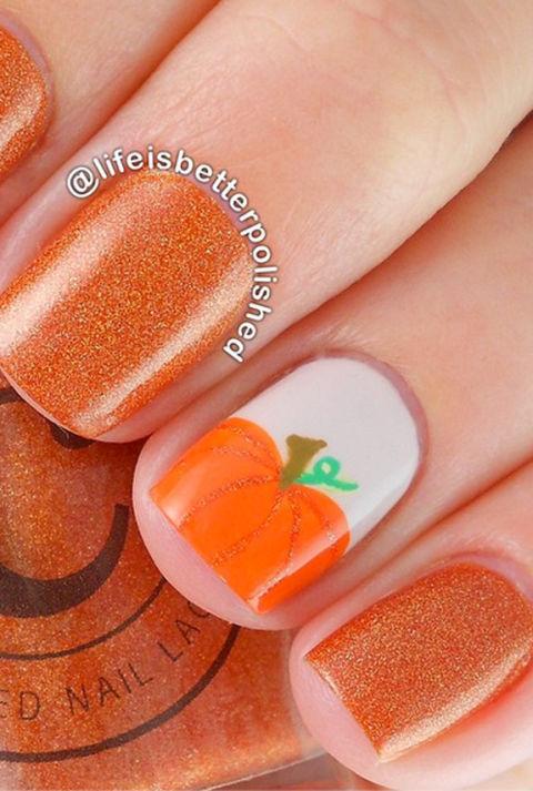 54ff72f29c19a-7-halloween-manicures-xln