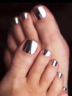 54ff20792a36a-silver-pedicure-de