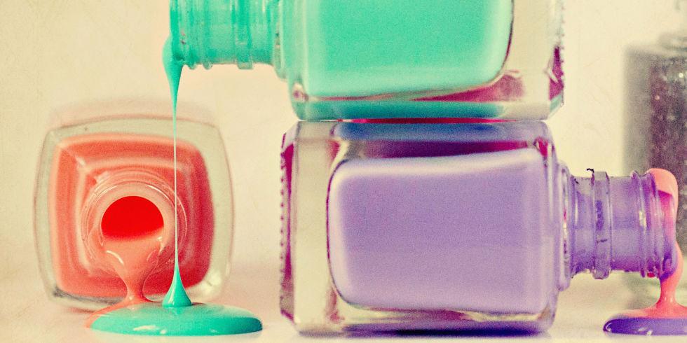 landscape-1436556470-nail-polish-spills-de