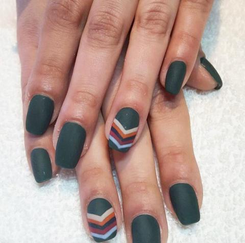 matte-green-nail-art-chevron