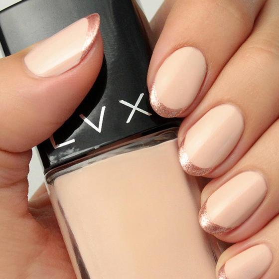 nude-rose-gold-nails-slide_0