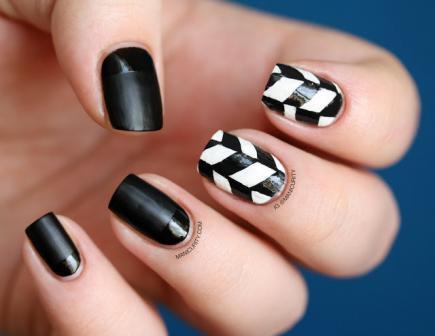 black-and-white-geometric-pattern_109996