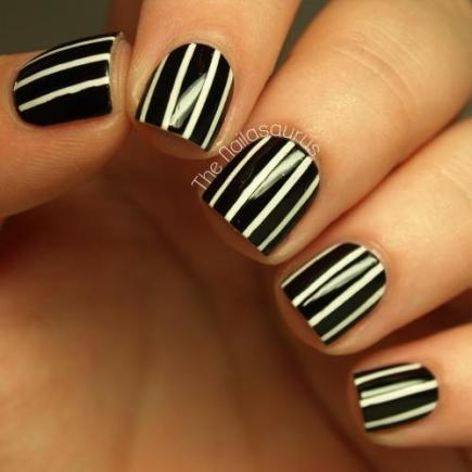 black-and-white-pinstripes_109999