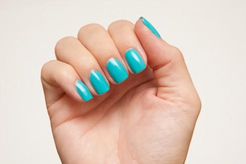 blue+nails-490x326
