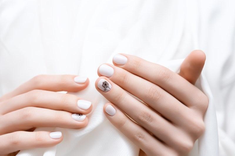 Học nghề nail ở salon hay trung tâm?