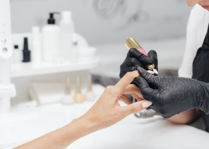 nghề làm nail có thể ảnh hưởng sức khỏe
