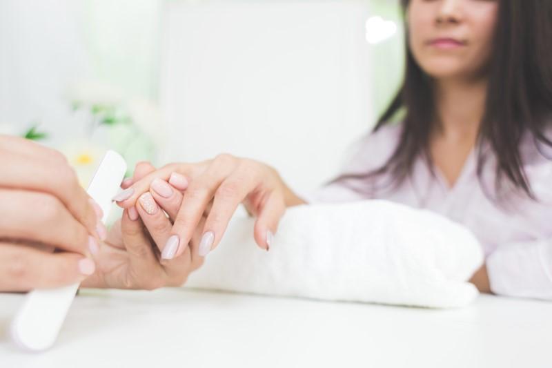 Học nail chuyên nghiệp từ kỹ thuật cơ bản.