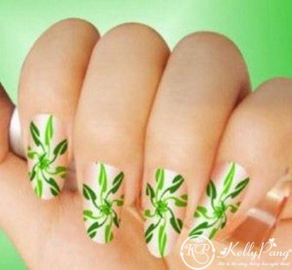 Latest-Eid-Nail-Art-Designs-2012-For-Girls-001-300x278 (Copy)