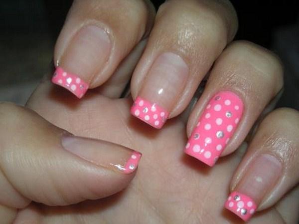 Pink-Polka-Nail-Art (Copy)