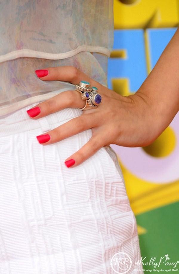 Selena+Gomez+Nails+Pink+Nail+Polish+d0Sf-6liaiGl (Copy)
