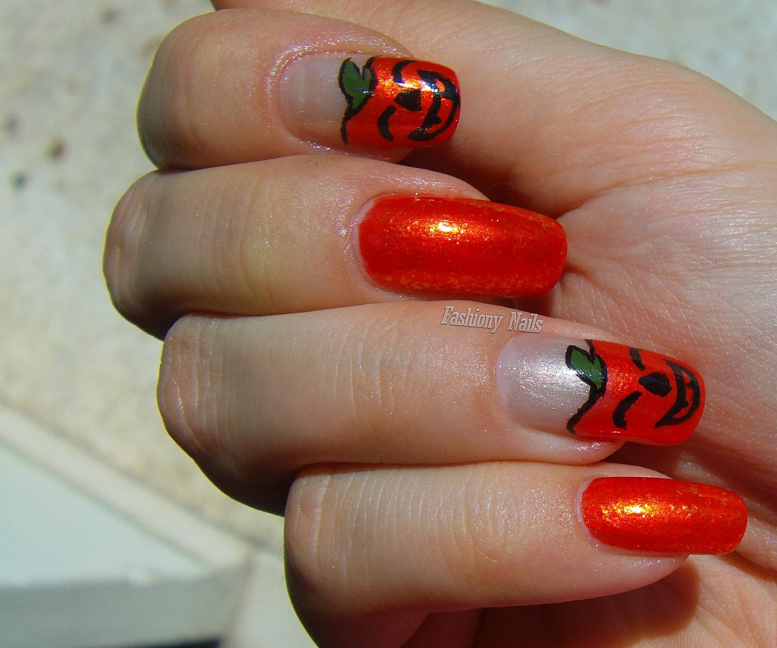 halloween-pumpkin-nail-art
