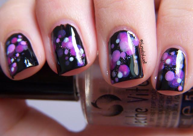 nail-art_purple-dots_bokeh11