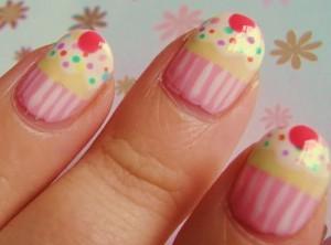 nails-cupcake-300x222