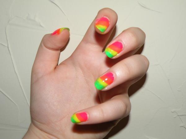 rainbow-nails (Copy)