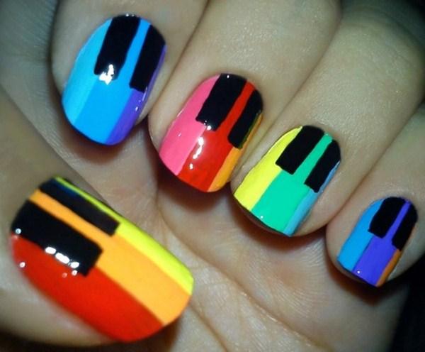 rainbow-piano-nails (Copy)