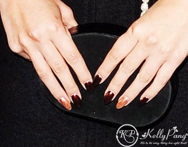 selena-gomez-nails (Copy)