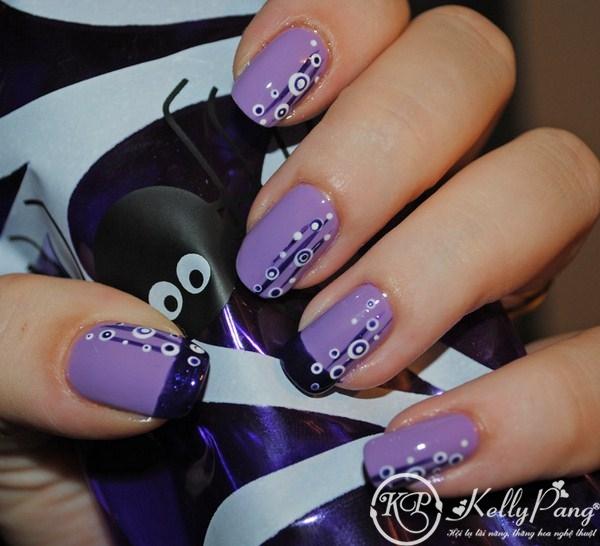 short-nail-retro-dark-blue-and-white-motif-in-purple-short-nail-art-short-nail-art-designs (Copy)